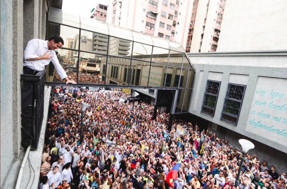 How Guaidó's Twitter persuades thousands to take to the streets
