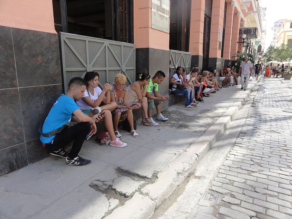 New law to grant Cubans wi-fi access from their own homes