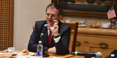 Marcelo Ebrard in bilateral meeting with Mike Pompeo