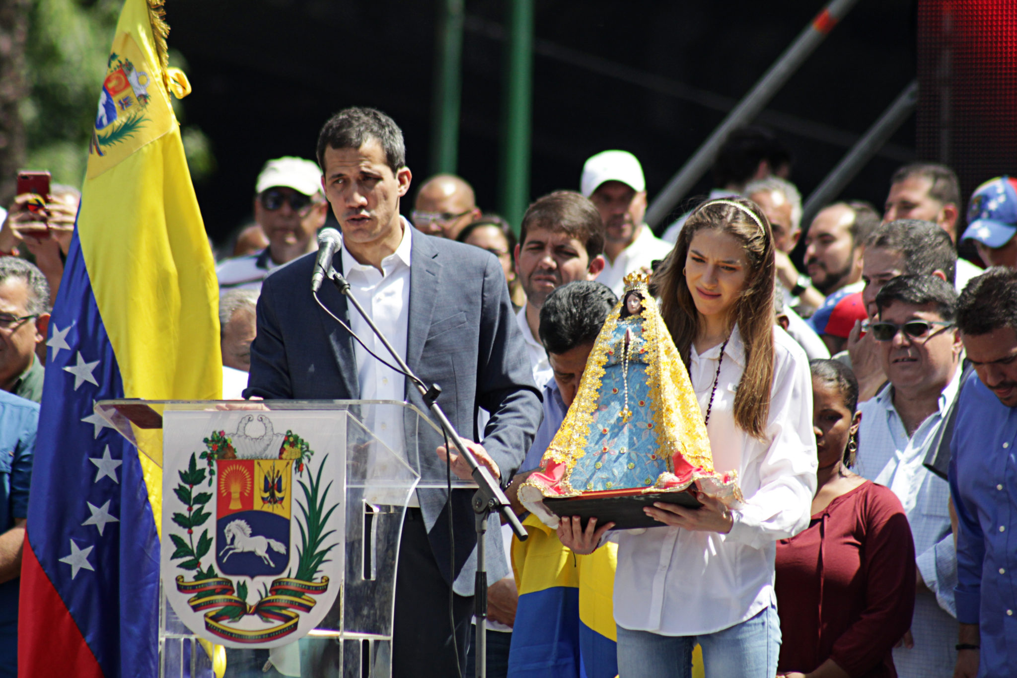 Guaidó's progress stagnates after six months despite international support