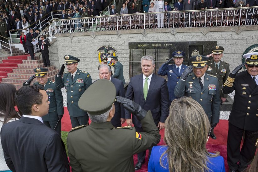 President Duque in front of soliders